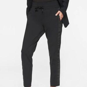 Athleta Metro Downtown Ankle Pants size 1X Black